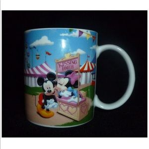 Disney Minnie Mickey Mouse Carnival County